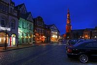 Marktplatz in Tönning mit St  Laurentius Kirche, Schleswig-Holstein, Deutschland , Market Place in Toenning City with St  Laurentius Church, Schleswig...