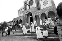 ethiopia, tigray, Adigrat, faithful praying in the Medhan Alem church