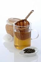 Natural cosmetics: Green tea
