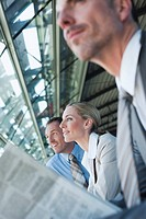 Germany, Leipzig_Halle, Airport, Business people, waiting, portrait