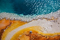 USA, Yellowstone Park, Hot spring, Black Pool, close_up