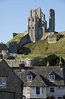 Corfe Castle, built under the instructions of William the Conquerer, Dorset, England, United Kingdom