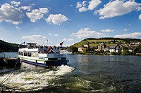 Germany, Rhineland_Palatinate, Traben_Trarbach, Tourboat on Moselle river
