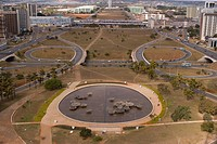 Municipal axis with view for the Esplanade of the Ministries and National Congress, Distrito Federal, Brasília, Brazil