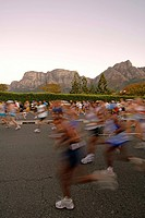 Start of the 2006 Old Mutual Two Oceans marathon in Cape Town South Africa. The marathon follows a 56 kilometre route that takes in both the Indian an...