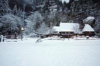 columbia river gorge national scenic area, oregon, united states of america, snow covering multnomah falls lodge