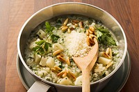 Parsley risotto with pine nuts