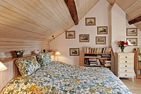 BEDROOM, RURAL GITE OF LA FAISANDERIE, BEAUMONT_LES_AUTELS, EURE_ET_LOIR 28, FRANCE