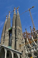 THE SAGRADA FAMILIA, BARCELONA, SPAIN, EUROPE