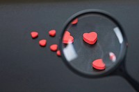 Heart shapes through a magnifying glass (thumbnail)