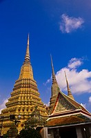 Chedi stupas, Wat Pho Wat Po, Temple of the Reclining Buddha, Bangkok, Thailand