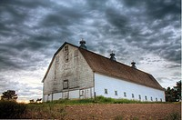 An old white barn near Rosalia, Washington in the Palouse