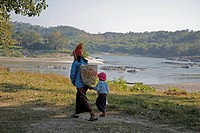 people child border person myanmar mother kachin