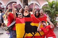 Amateur celebrating the victory of Spain vs Paraguay 2010 World Subafrica futball