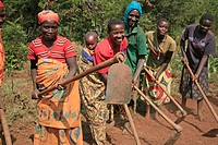 woman women burundi agakura youth project in a