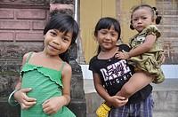 near Ubud (Bali, Indonesia): children in Sayan