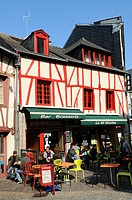 Bar, brasserie, half-timbered houses in the old town, Vannes, Gulf of Morbihan, Brittany, Bretagne, France