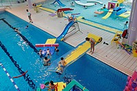 PLAY SESSION FOR CHILDREN, SWIMMING POOL OF CAP´ORNE, L´AIGLE, ORNE 61, FRANCE