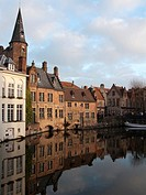 Flemish houses next to the channel