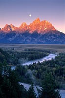 Moonset at dawn over the Teton Range and Snake River, Grand Teton Nat'l  Pk , WYOMING