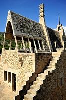 Celler Güell Bodegas Güell, Antoni Gaudí i Cornet y Francesc Berenguer Mestres, año 1895, siglo XIX, Modernisme, Garraf, Provincia de Barcelona, Catal...