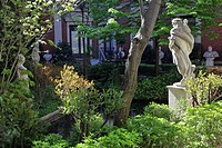 GARDEN AT THE MUSEO CERRALBO, CALLE DE FERRAZ, MADRID, SPAIN