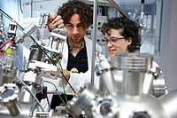Scanning tunneling microscope (STM) in ultra-high vacuum (UHV), Nanophysics laboratory, Materials Physics Center is a joint center of the Spanish Scie...