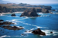 Rocky coastline of Pacific Ocean, Sonoma County, California, USA