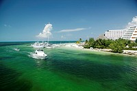 Mexico, Quintana Roo, Cancun, hotels and beach