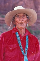 USA, Arizona, Monument Valley, Portrait of mature Navajo medicine man