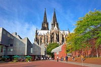 Cologne, North Rhine_Westphalia. Wallraf Richartz museum and the cathedral