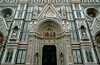 ITALY, FLORENCE, CATHEDRAL OF SANTA MARIA DEL FIORE DUOMO, FACADE