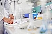 pharmaceutical industry, laboratory analysis