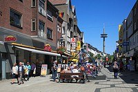 D-Wesel, Rhine, Lower Rhine, North Rhine-Westphalia, NRW, pedestrian zone Brueck Street, shopping street, department stores, people, in the background...