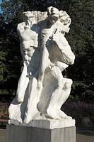 Germany, Wuppertal, Wupper, Bergisches Land, North Rhine-Westphalia, NRW, D-Wuppertal-Barmen, D-Wuppertal-Unterbarmen, statue ´Die starke Linke´ by Al...
