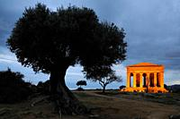 Italy, Sicily, Agrigento, World Heritage Site, Valley of Temples, Tempio della Concordia Temple of Concord at night