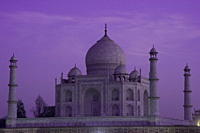 The Taj Mahal, UNESCO World Heritage Site, at dusk, Agra, Uttar Pradesh, India, Asia