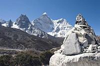 Mani stone, Solu Khumbu Everest Region, Sagarmatha National Park, Himalayas, Nepal, Asia