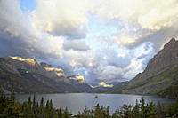 St. Mary Lake and Wild Goose Island on a cloudy morning, Glacier National Park, Montana, United States of America, North America
