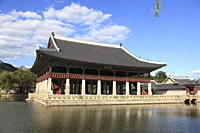 Gyeonghoeru pavilion, Gyeongbokgung Palace Palace of Shining Happiness, Seoul, South Korea, Asia