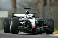 Car racing, David Coulthard in McLaren Mercedes, training, Formel 1, Persons, Race driver, driving, diagonal from the front, frontal view, photographe...