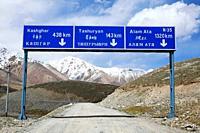 The border road to Tashuryan and Kashgar in China, Karakorum, Pakistan