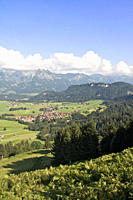 Germany, Bavaria, Allgaeu, View of fischen area with hörnergruppe in background