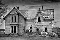 An old abandoned house in southern Ontario, Canada