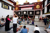People Bow before the Jokhang Temple