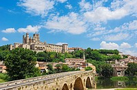 Old Bridge over River Orb and Saint-Nazaire cathedral, Beziers, Herault, Languedoc-Roussillon, France
