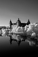 Schloss Johannisburg castle on the banks of the Main, Aschaffenburg, Hesse, Germany, Europe