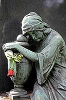 Red rose, sculpture of a woman grieving, monument, cemetery, Dortmund, North Rhine-Westphalia, Germany, Europe