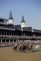 USA, Kentucky, Louisville. Horse racing at world_famous Churchill Downs