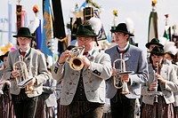 Marching band Kirchheim near Munich, Costume and Riflemen´s Procession at the Oktoberfest, Munich, Upper Bavaria, Bavaria, Germany, Europe